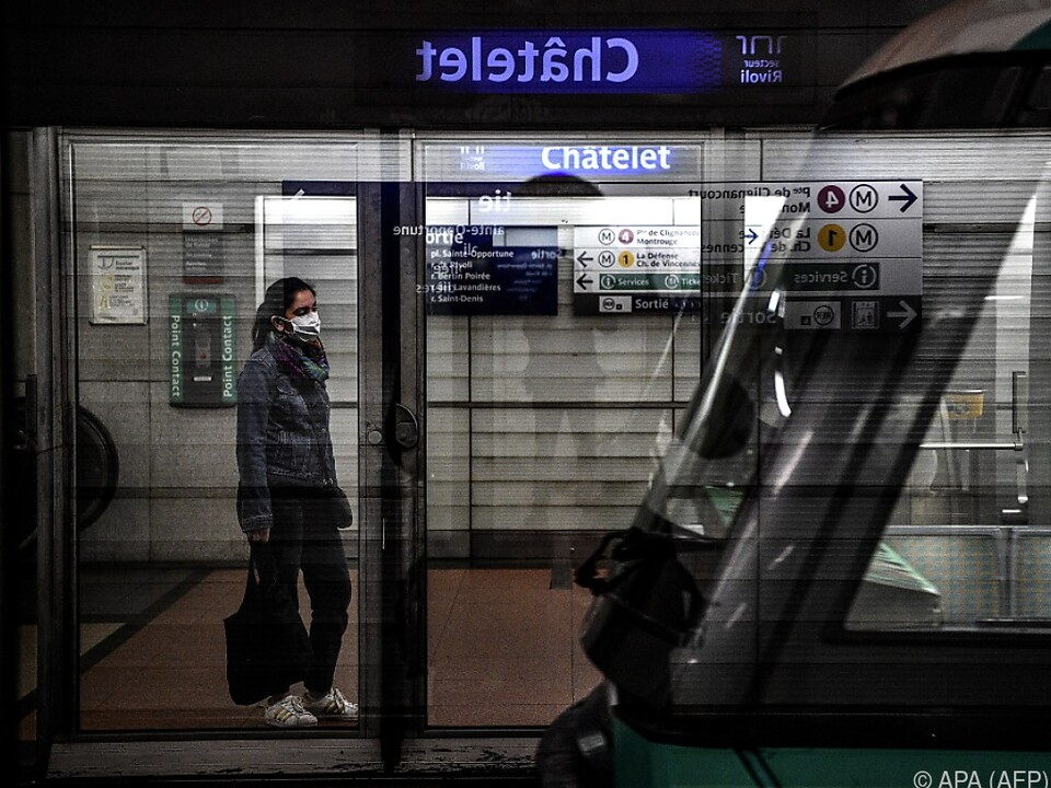 Abstandsregeln in öffentlichen Verkehrsmitteln schwer einzuhalten