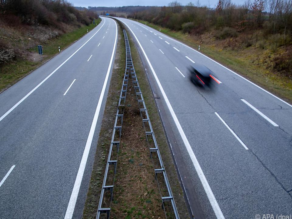 Auch großteils leere Straßen begünstigten die Entwicklung