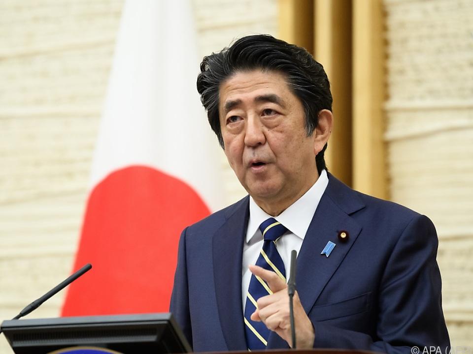 Das Kabinett von Ministerpräsident Shinzo Abe ist gefordert