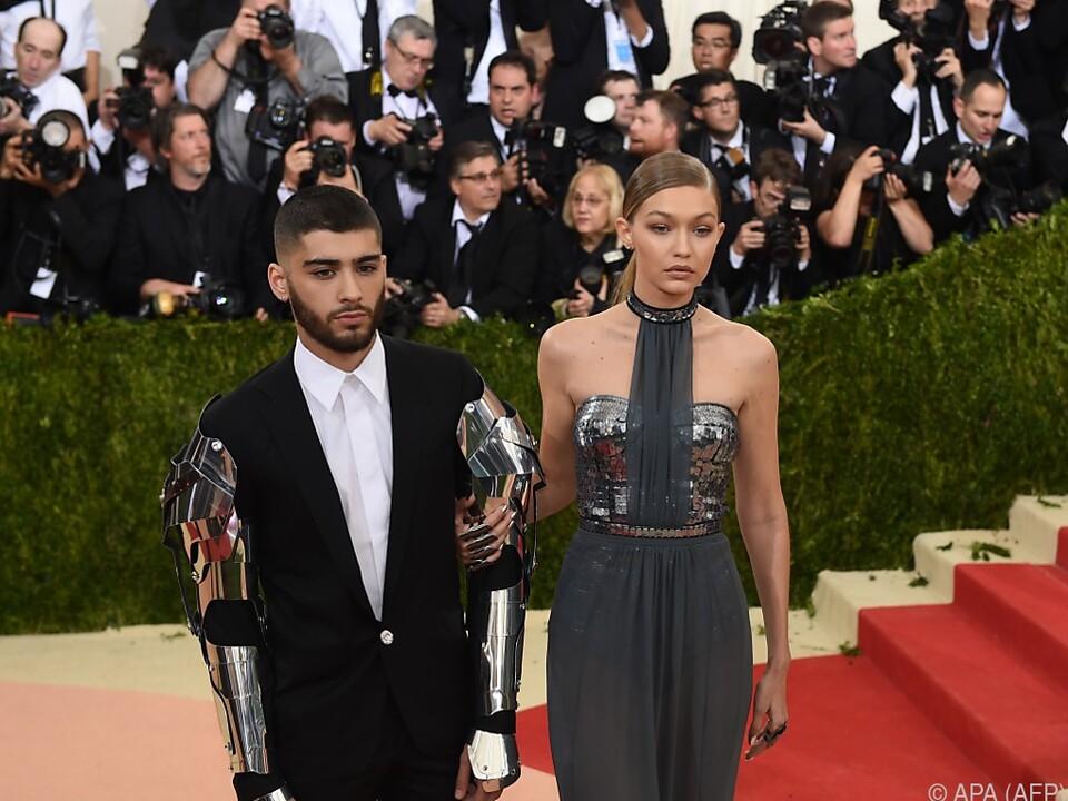 Das Model und der Sänger sind seit 2015 ein Paar