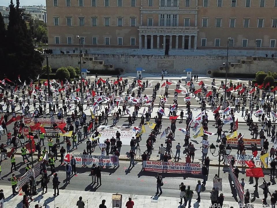 Demonstranten in Athen hielten gebührenden Abstand voneinander