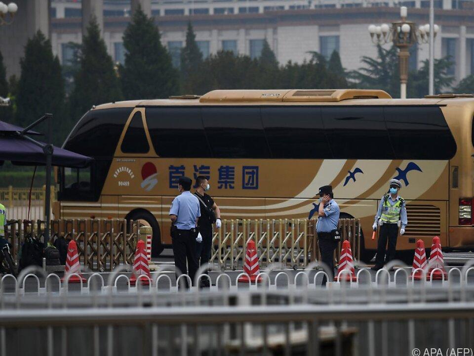 Die Delegierten reisten unter anderem mit eigenen Bussen an