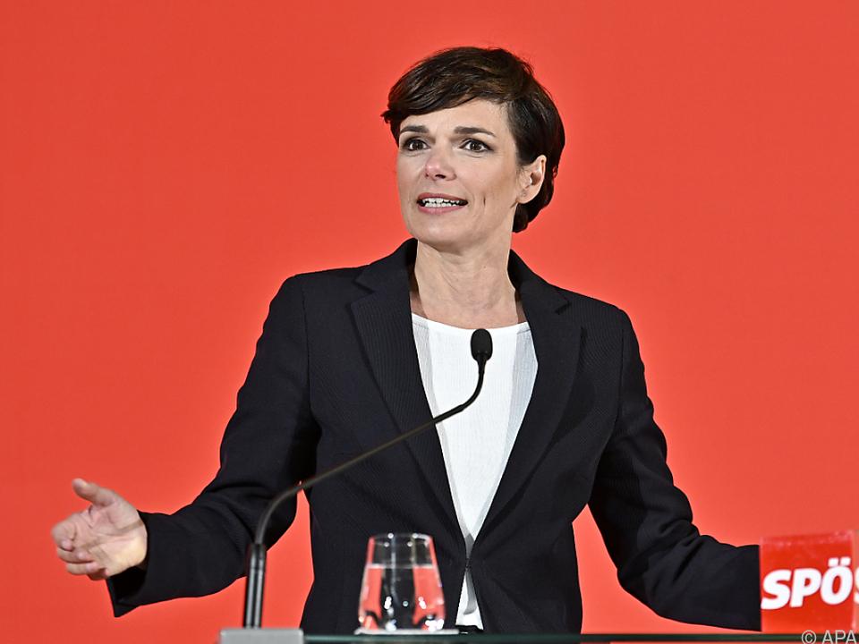 Die SPÖ-Chefin sieht den Zusammenhalt in ihrer Partei gegeben