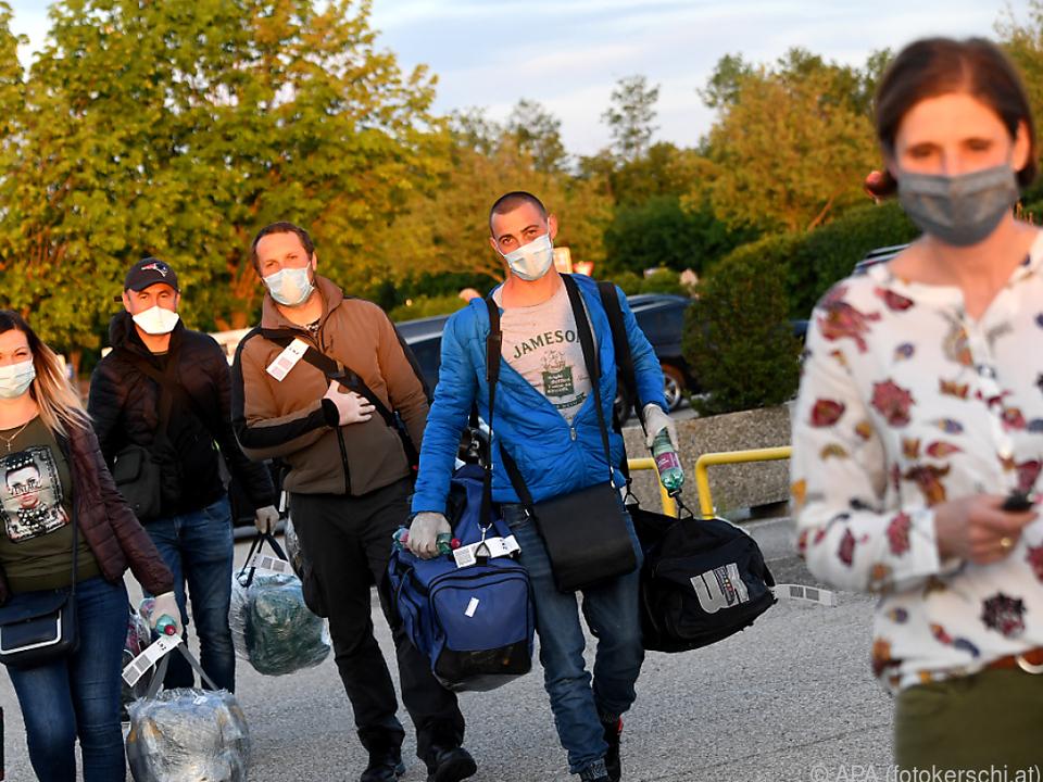 Eine der 213 angekommenen Personen ist am Coronavirus erkrankt