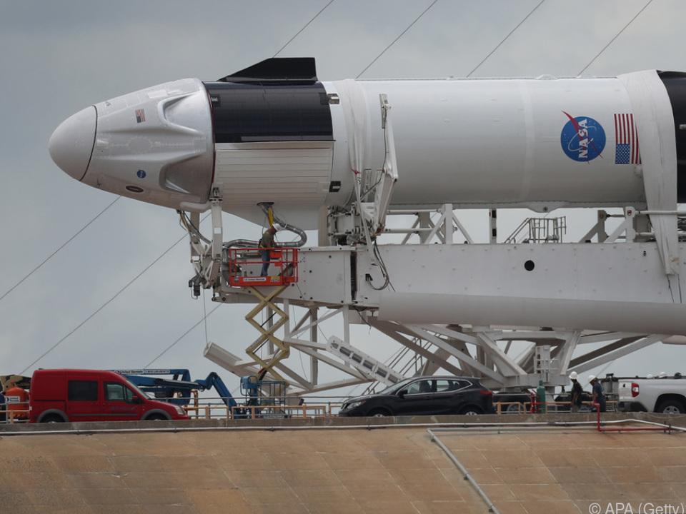 Eine Falcon-9-Rakete der US-Firma soll um 16.33 Uhr Ortszeit starten