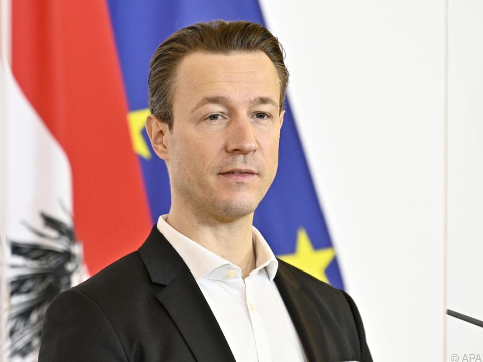 Finanzminister Blümel sieht größeres Budgetloch durch Coronakrise