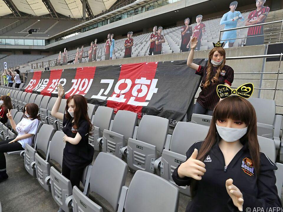 Frauenpuppen im Stadion haben ein Nachspiel