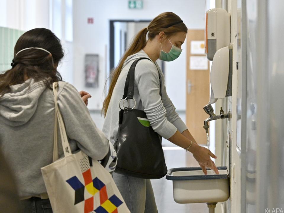 Händewaschen vor Unterrichtsbeginn ist oberstes Gebot
