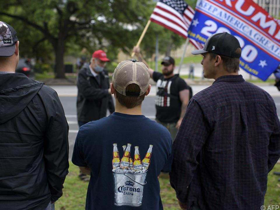 In den USA mehren sich Demonstrationen gegen die Beschränkungen