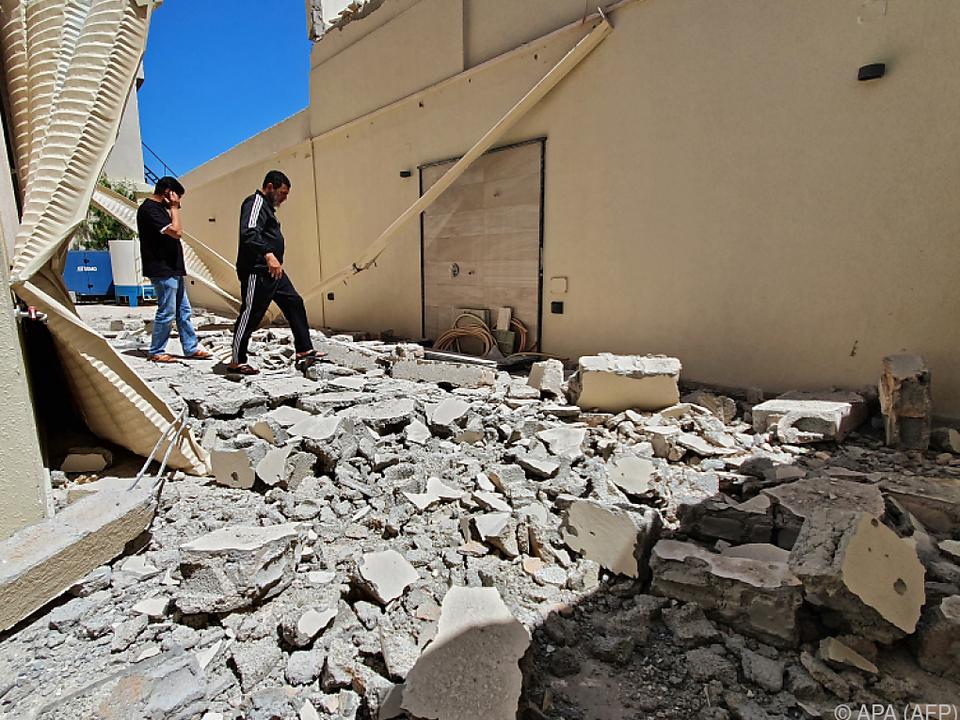 In Tripolis halten die Kämpfe weiter an