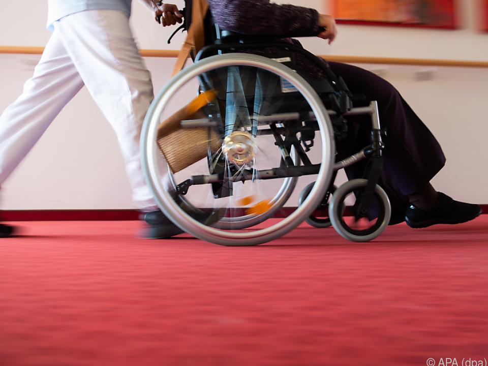 Infektionen fanden häufig in Seniorenheimen statt