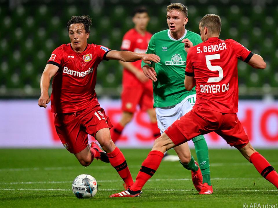Julian Baumgartlinger bei Leverkusen im Einsatz
