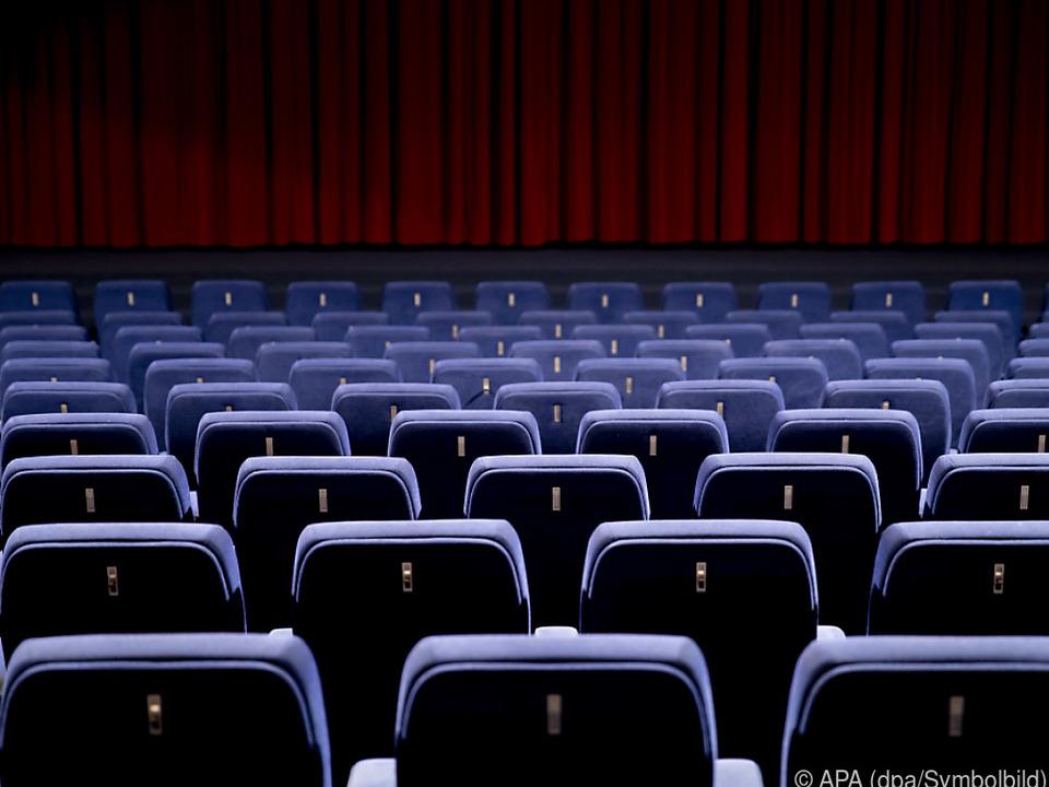 Leere Zuschauerränge sollen sich wieder füllen