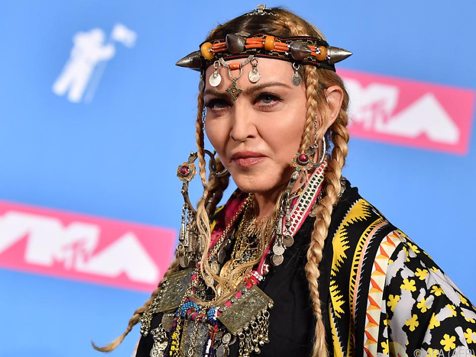 Madonna beteiligt sich großzügig