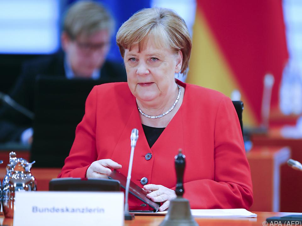 Merkel sprach auch von einer Lockerung