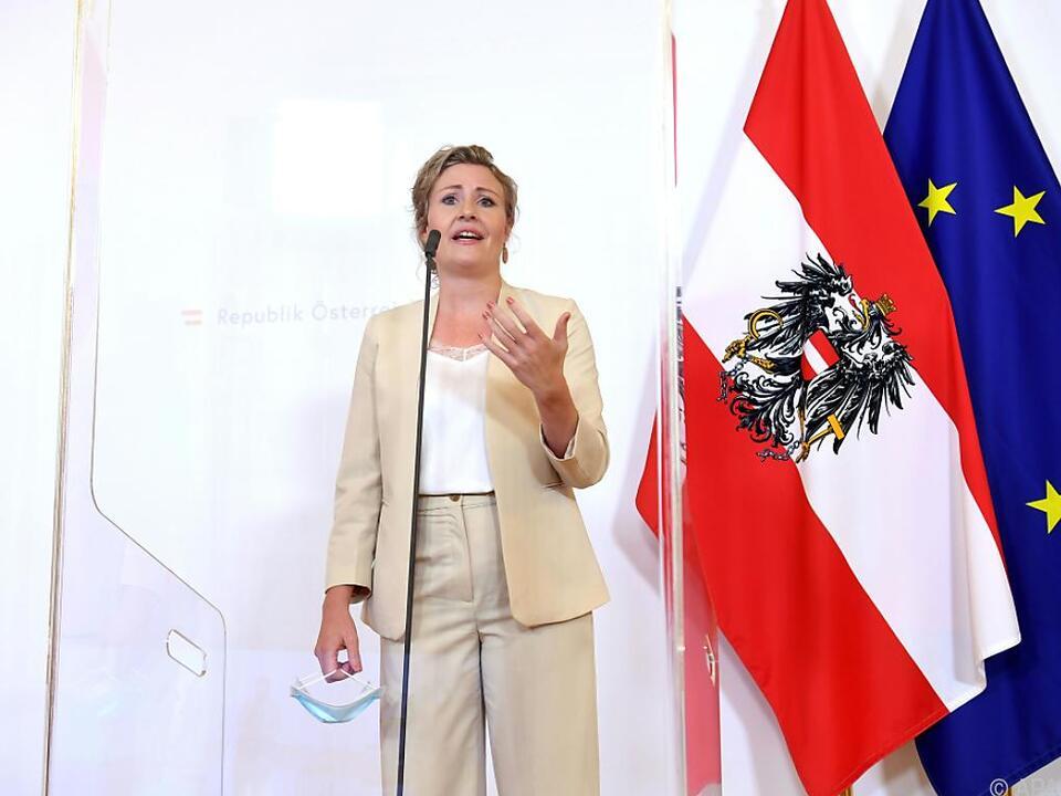 ÖVP-Politikerin Raab legt gegen Wien ein Schäuferl nach