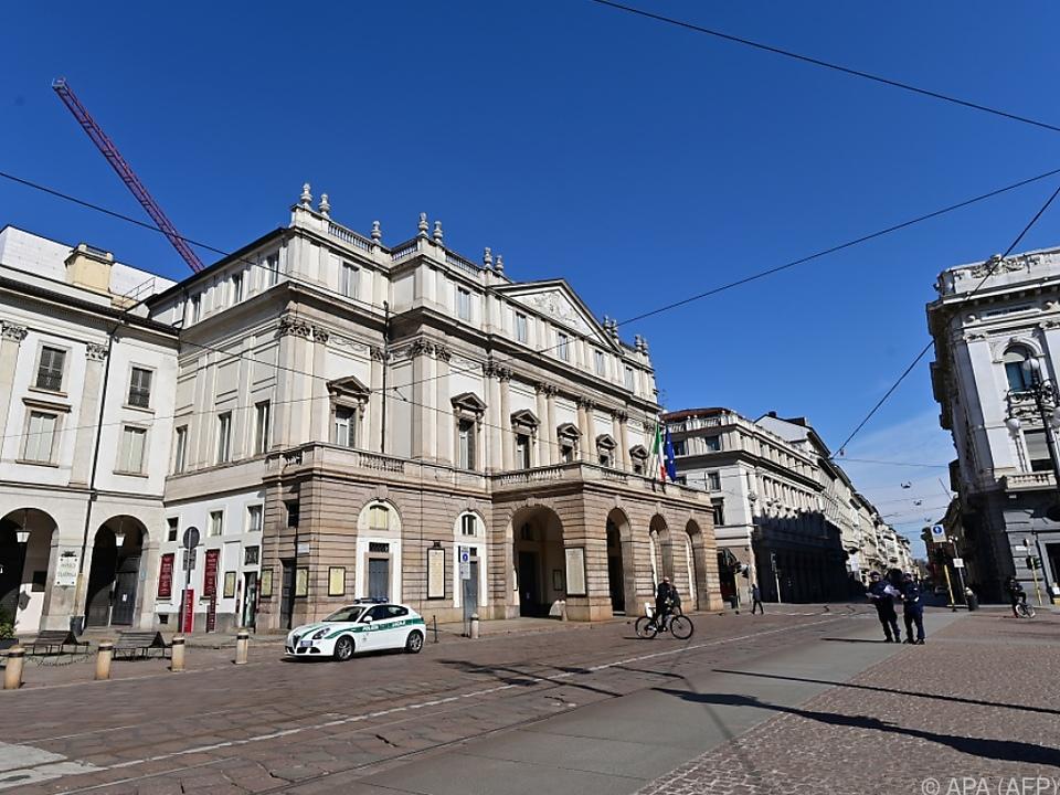 Opernhaus will mittels Digitalisierung den Liebhabern nahe sein