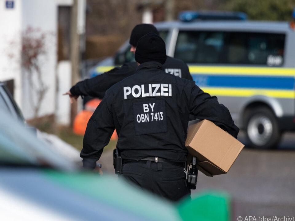 Polizeieinsatz gegen mutmaßliche Reichsbürger