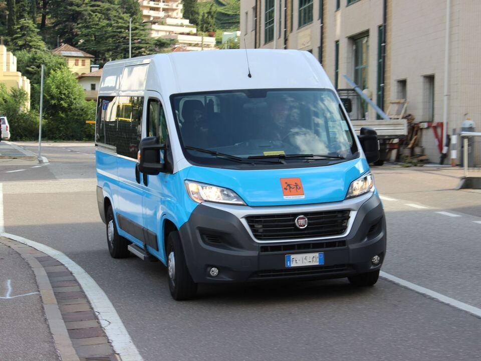 bus sym Schülertransport Mietwagenunternehmer