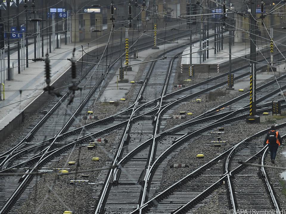 Sogenannter Korridor-Zug soll Saisonarbeiter nach Österreich bringen