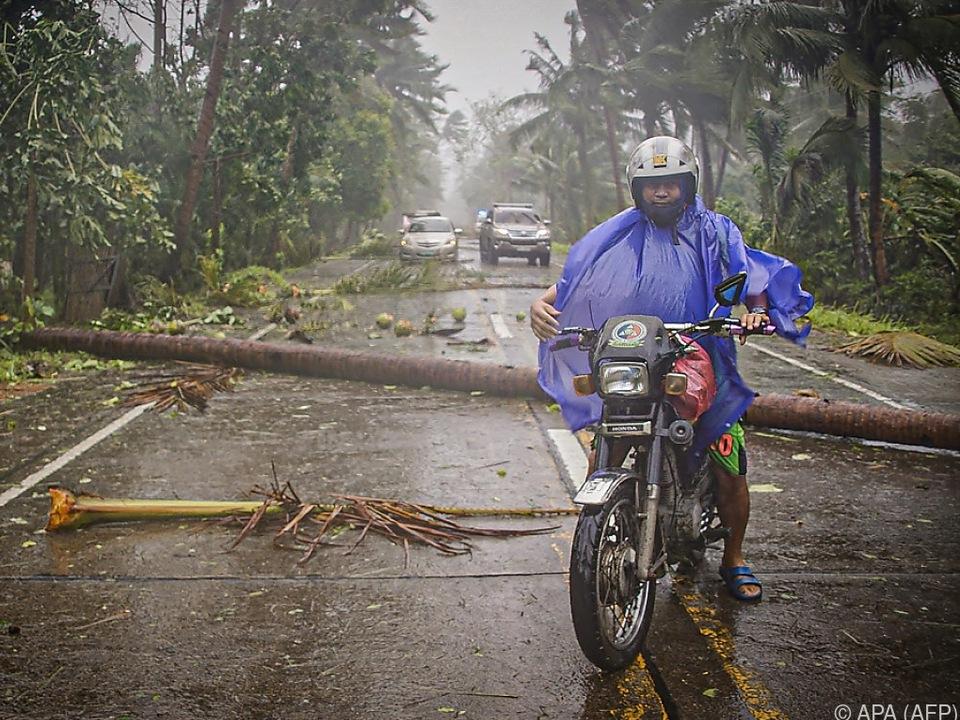 Taifun kam mit starken Regenfällen