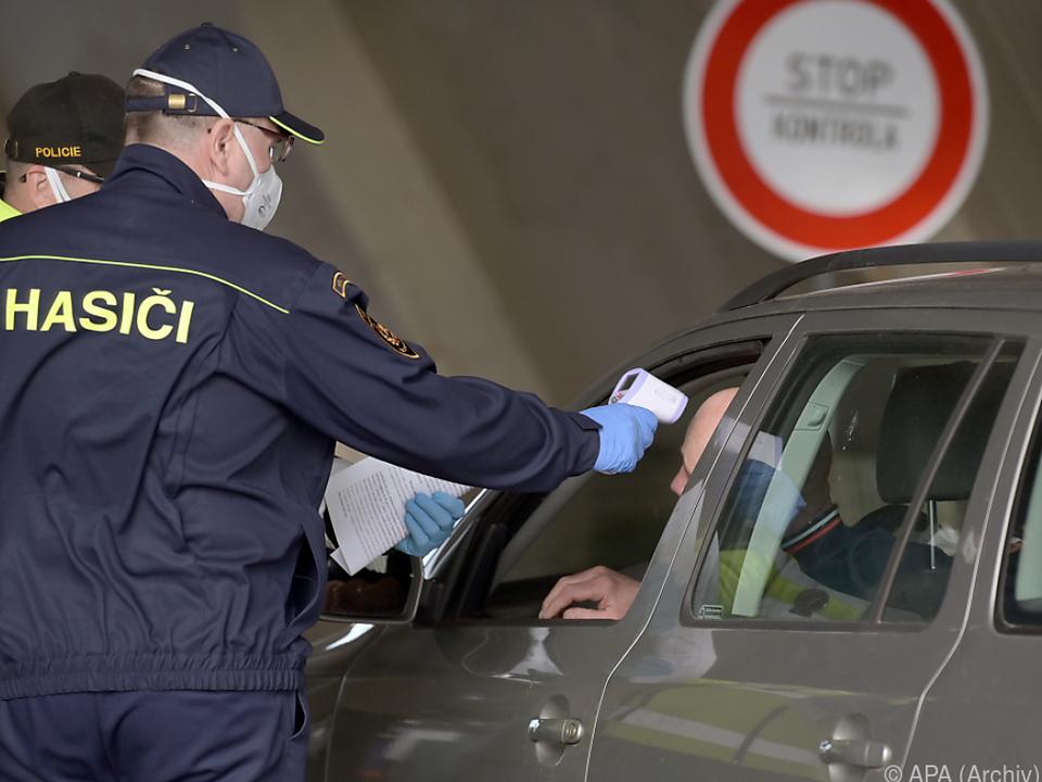 Tschechen raten weiter von Ausreise ab