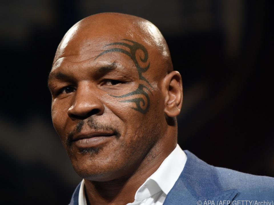 Tyson biss Holyfield bei einem Kampf 1997 einen Teil des Ohrs ab