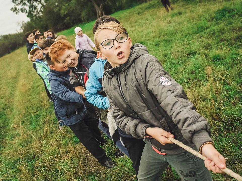 1071049_Kinder, Kinder, Jugendliche, Sommerbetreuung