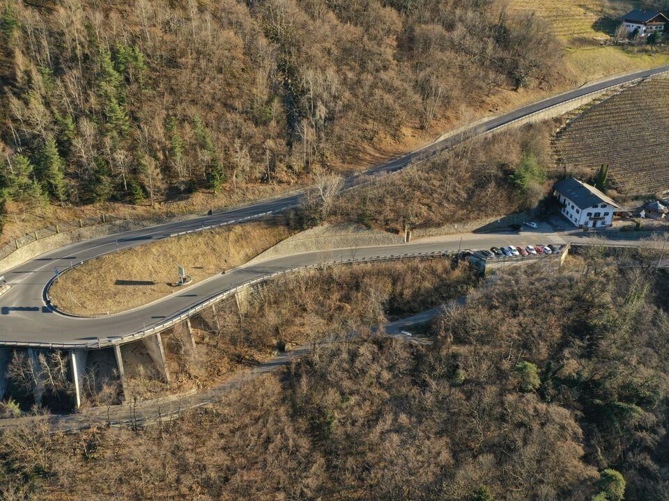 1072413_VoelsEin weiterer neuralgischer Abschnitt der Landessstraße nach Völs soll sicherer werden. (Foto: