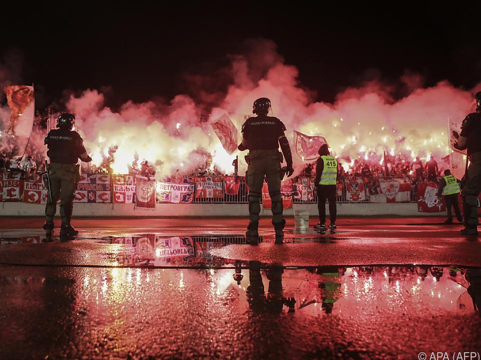 20.000 Zuschauer und großes Polizeiaufgebot in Belgrad