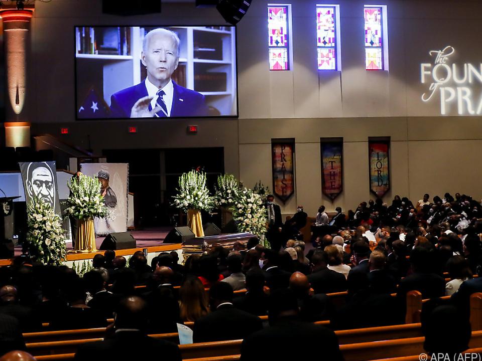 Auch Joe Biden sprach per Video-Schaltung zu den Trauernden