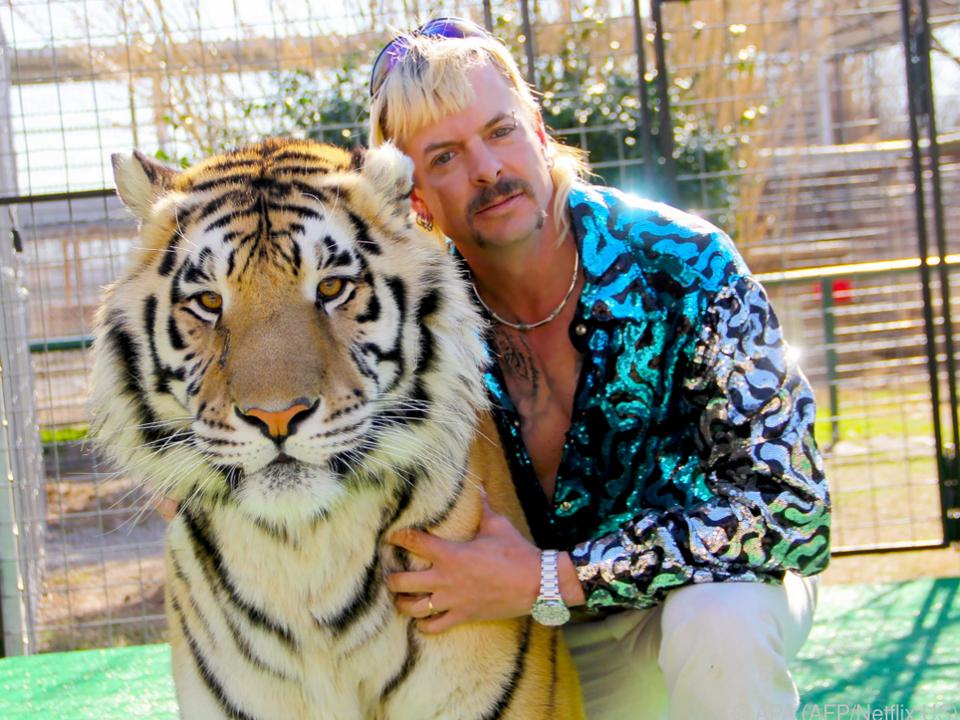 Ausgerechnet an seine Erzfeindin geht Joe Exotics Zoo