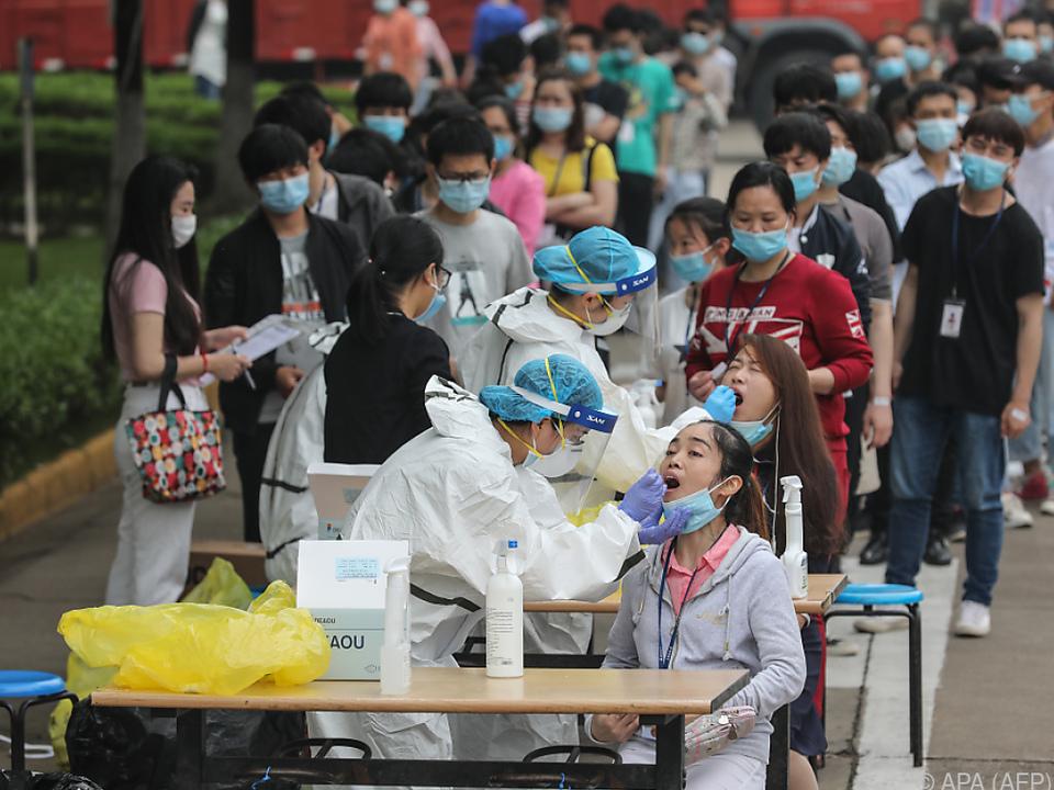 Die Chinesische Stadt nahm flächendeckende Testungen vor
