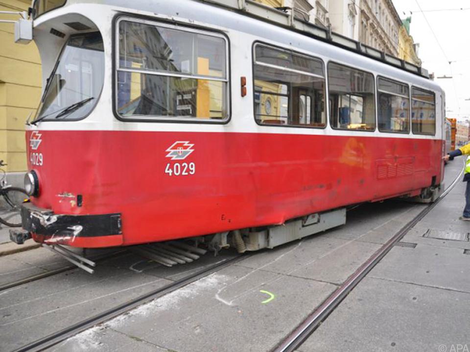 Ein Toter nach Unfall mit Straßenbahn in Wien
