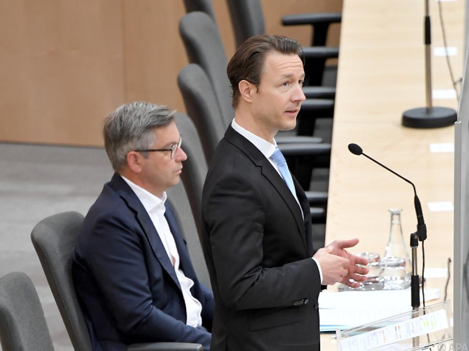 Finanzminister Blümel wollte so viele Arbeitsplätze wie möglich retten