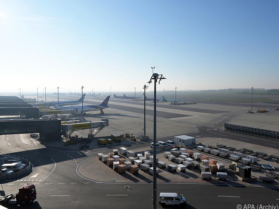 Flughafen schnürt Sparpaket