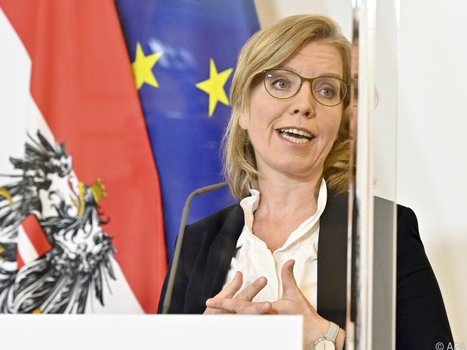 Für die Ministerin ist Wasserstoff ein wichtiges Element der Zukunft
