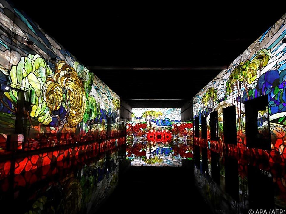 Gustav Klimts Werke als Projektion und Spiegelung im U-Boot-Bunker