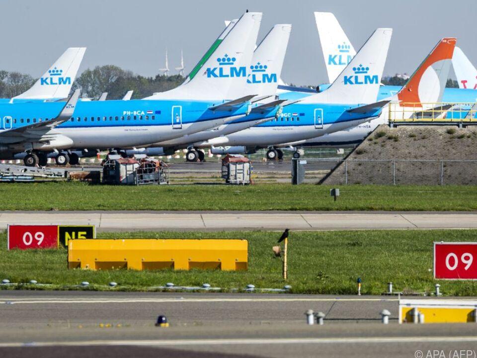 Niederländische Airline: KLM bekommt staatlichen Milliardenkredit - Wirtschaft