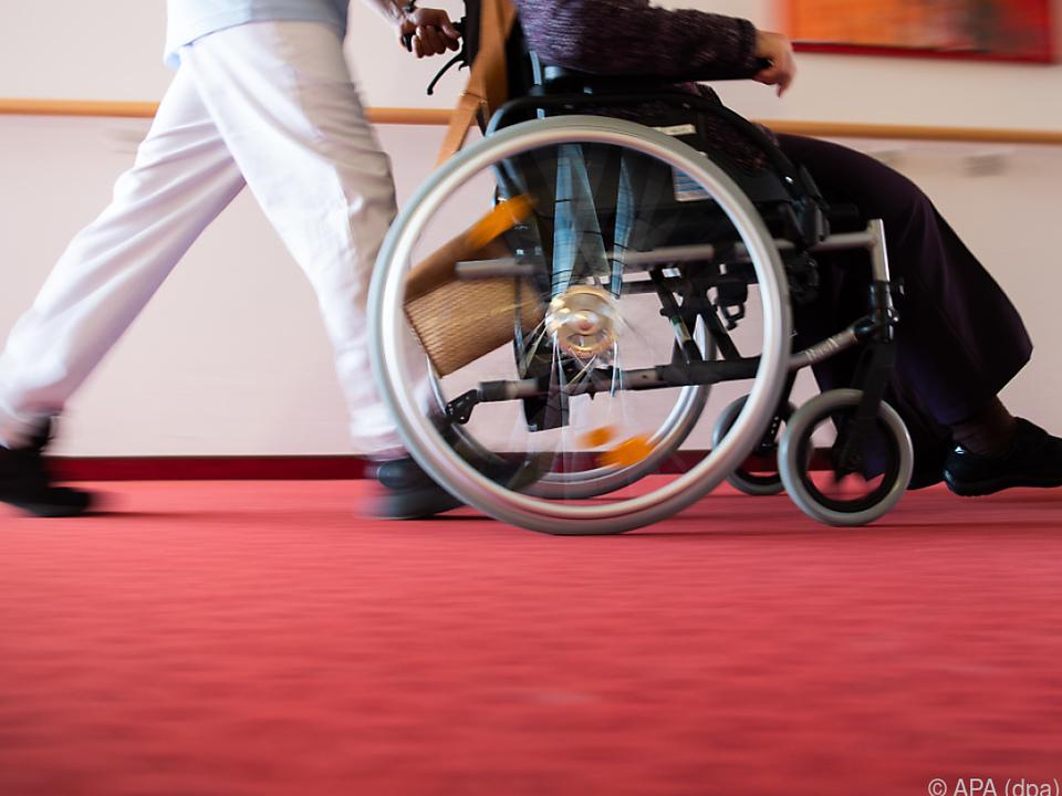 In dem Pflegeheim starben bereits sechs Menschen mit einer Covid-Erkrankung