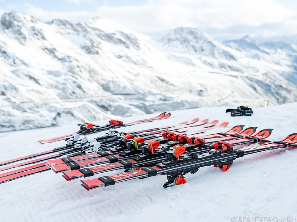 In Sölden hofft man auf die Skirennen