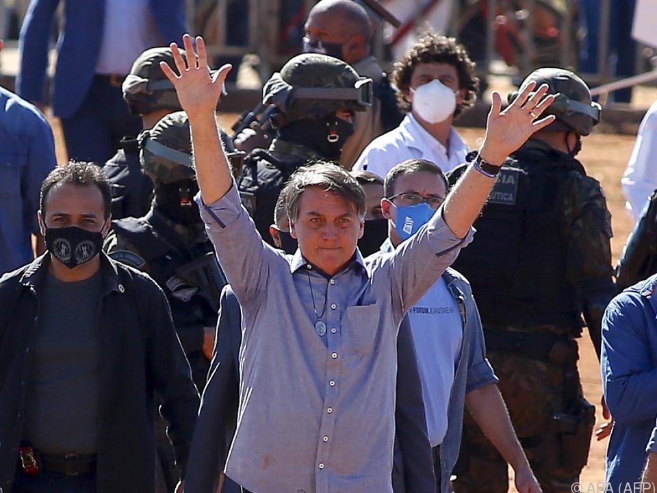 Jair Bolsonaro bei Eröffnung eines Feldspitals
