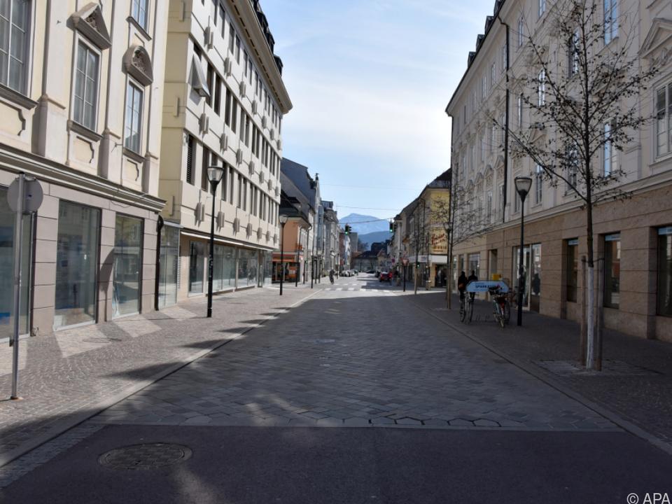 Kommen gar die leeren Straßen und Plätze wieder?