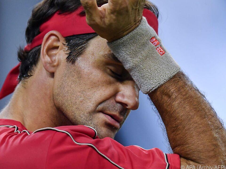 Neuerlicher arthroskopischer Eingriff am Knie bei Federer
