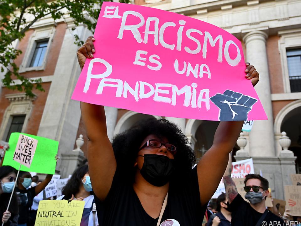Nicht nur Corona ist eine Pandemie, sondern auch Rassimus