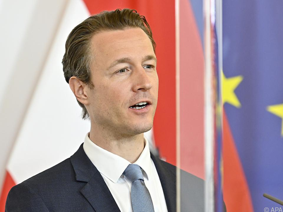 Österreich ist durch Finanzminister Blümel vertreten