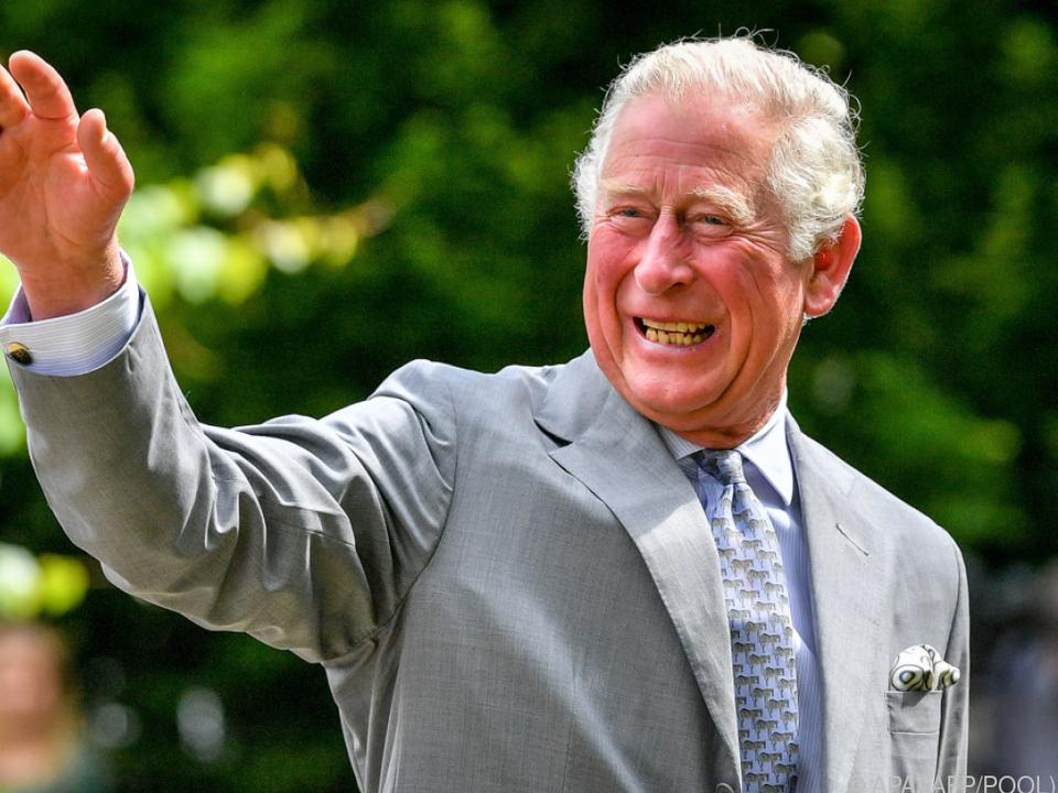 Prinz Charles bedankte sich bei Spitalsmitarbeitern für deren Einsatz