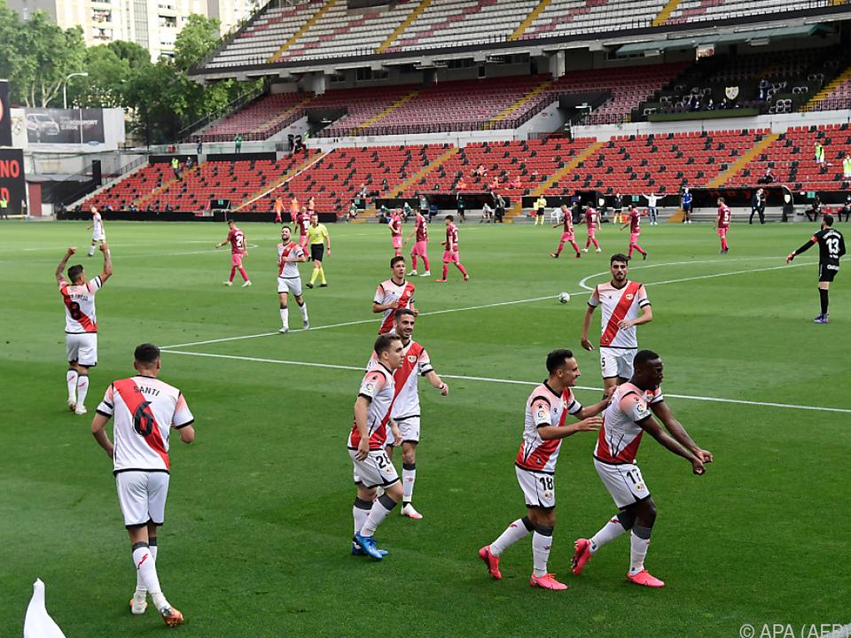 Spiel nur über eine Halbzeit und Albacete durfte nur mit zehn Mann antreten