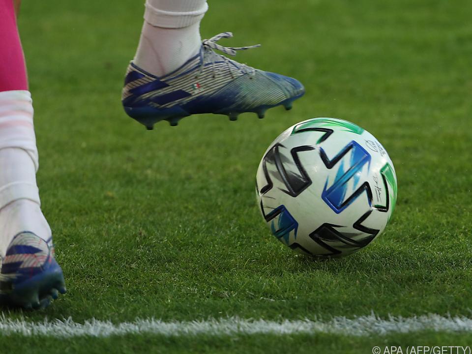 Spieler dürften während einer Saison für drei statt zwei Clubs spielen