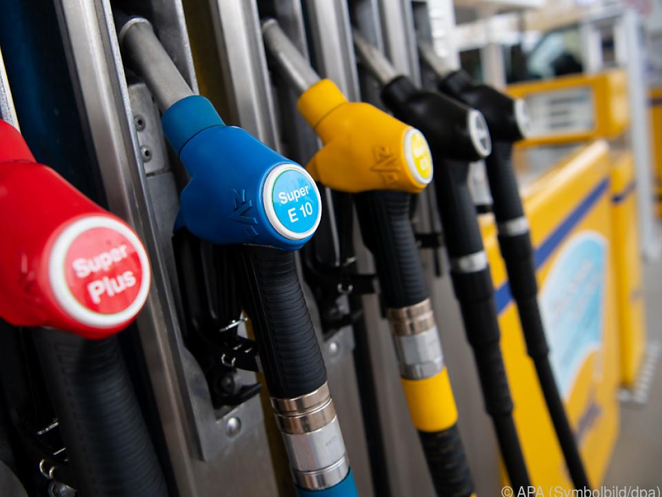 Treibstoffe billig wie schon lange nicht